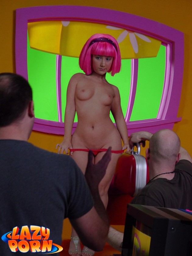 Stephanie Nude Lazy Town